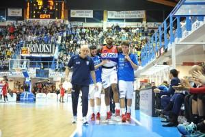 Simmons infortunio Brindisi-Varese