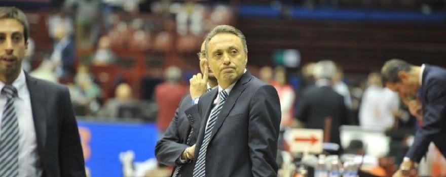 Bucchi EA7 Emporio Armani Milano-Enel Basket Brindisi (tasco)